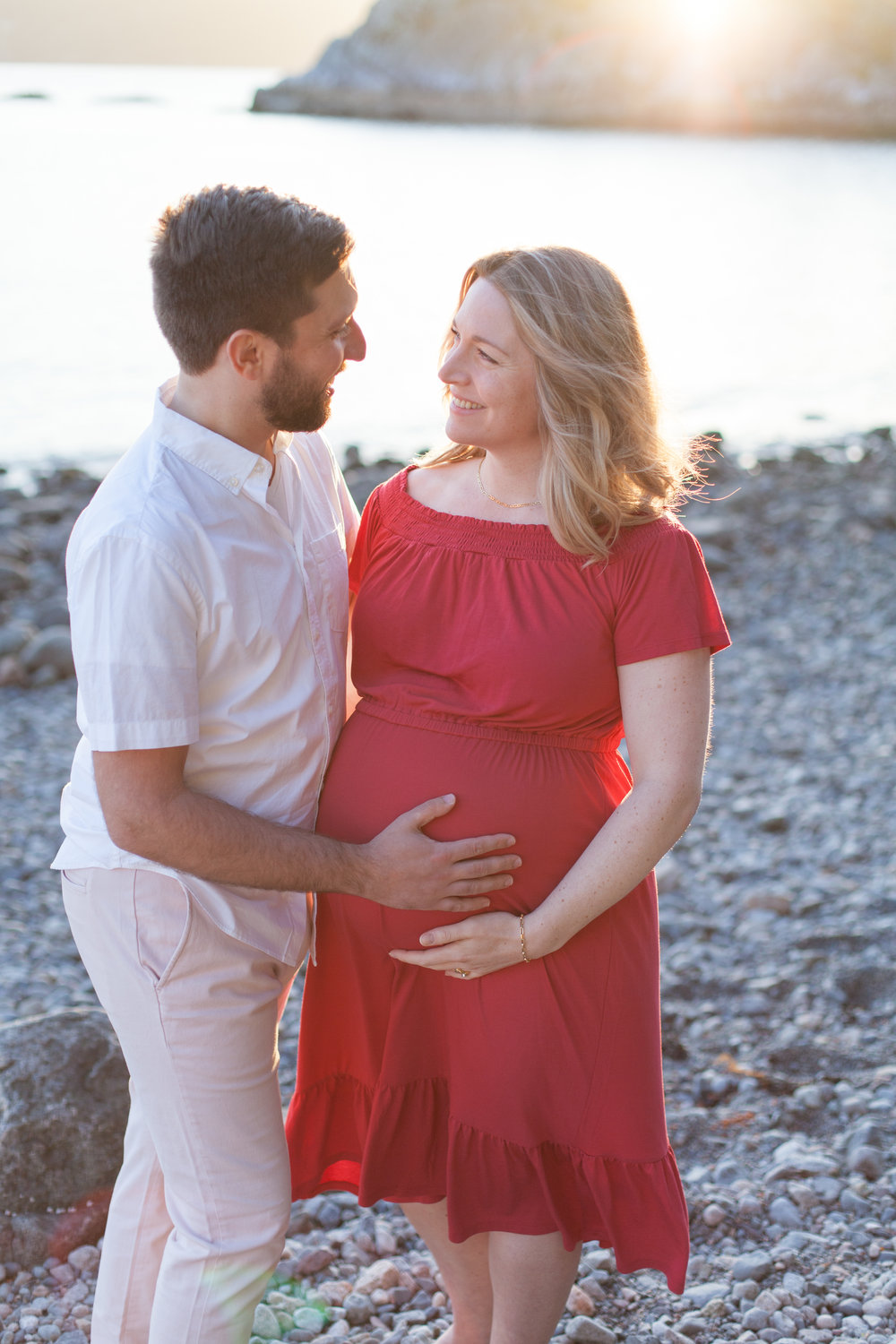 Whytecliff Park Maternity Photos-3.jpg