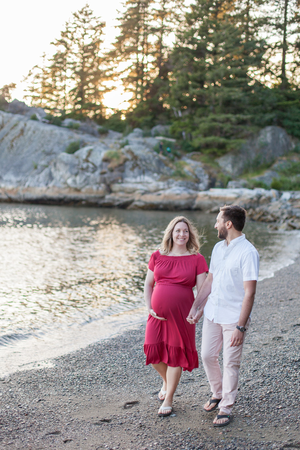 Whytecliff Park Maternity Photos-11.jpg