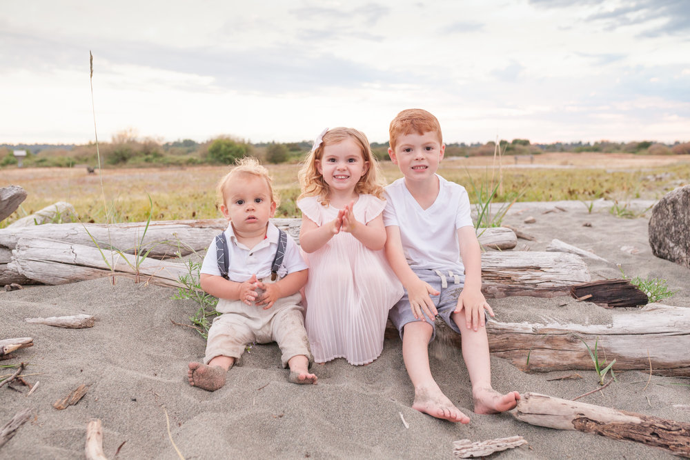 Centennial Beach Family Photos-1.jpg
