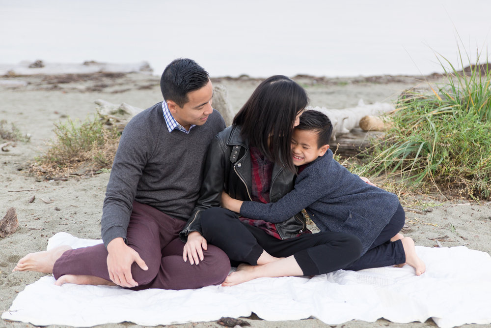 Centennial Beach Family Photos 2018-29.jpg
