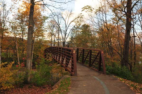 stowe-recreation-path-autumn-w.jpg