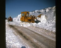 Snow_clearing_Belle_Hill_-_Jan_1979.jpg