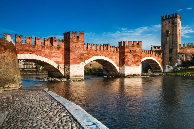 Castelvecchio-Ponte-Scaligero-Verona-57942-51261861.jpg