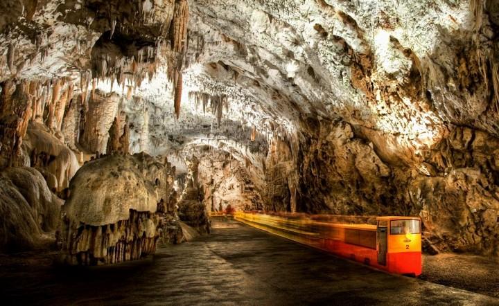 Copy of postumja caves