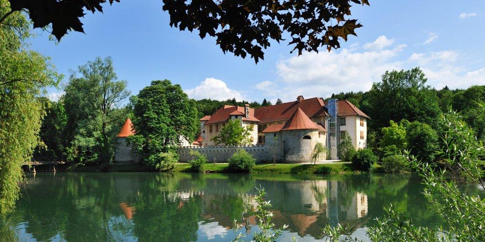 otocec castle.jpg