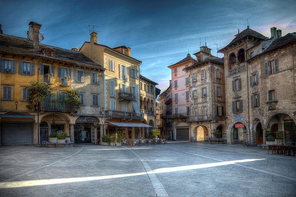 Italy_Houses_Domodossola_470095.jpg