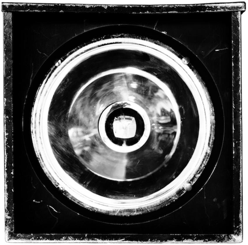 Philippe Gronon Projecteur n°2, Pars 64 Scenilux 1000 W, Opéra Garnier, Paris- 2014 Photographie analogique, épreuve numérique pigmentaire, 47 x 47 cm
