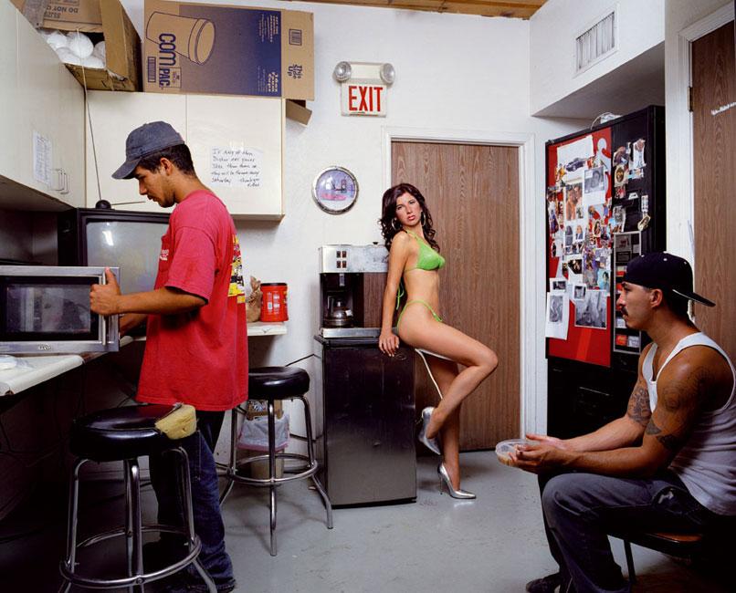 Liz Cohen Bodywork Lunchroom, C-Print 127 x 153 cm, 2006