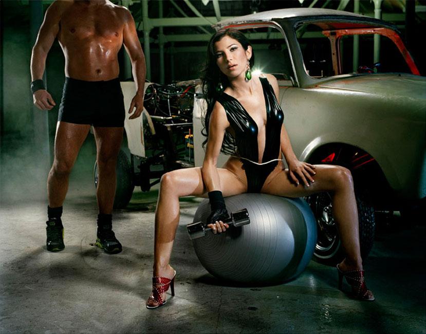 Liz Cohen Bodywork Trainer - 2006 C-Print 127 x 153 cm