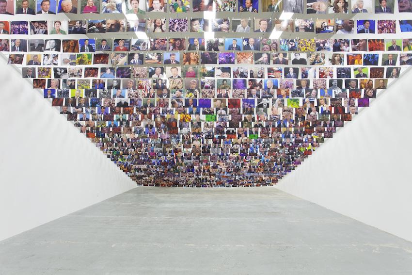 Psychiatrie  et cardiologie, 2016, 999 photographies couleur, pinces en bois et câble,15 x 21 cm chaque