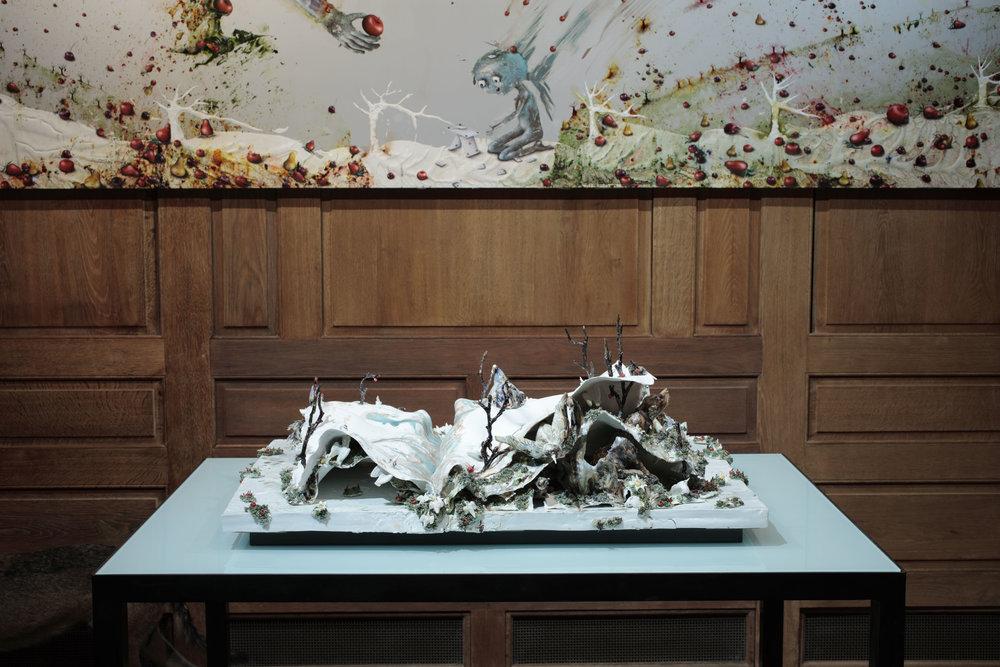 La vie couvée, 2015-2016, grès et porcelaine émaillés de Sèvres, 42 x 78 x 103 cm