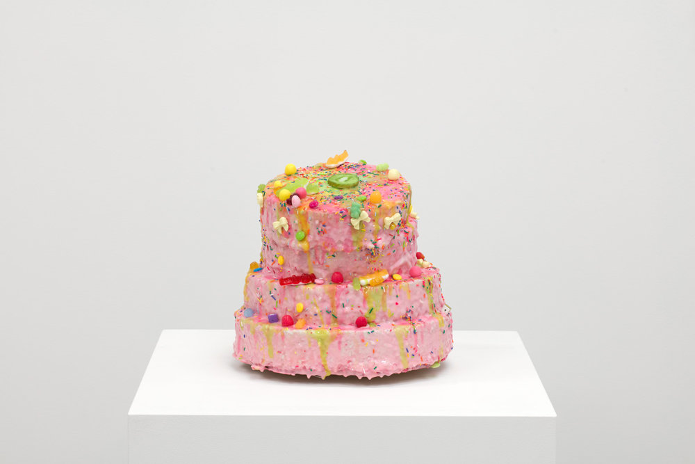 C'est Mercredi!, 2017,Polystyrène, colle à mosaïque, résine cristalline, silicone, argile polymère, fleurs en papier, bonbons, 27 x 30 x 34 cm