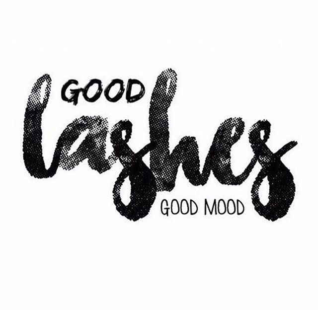 Treat your Monday mood with a good pair of lashes 👌🏼😛 Shop our 3D lashes -  Link in bio!