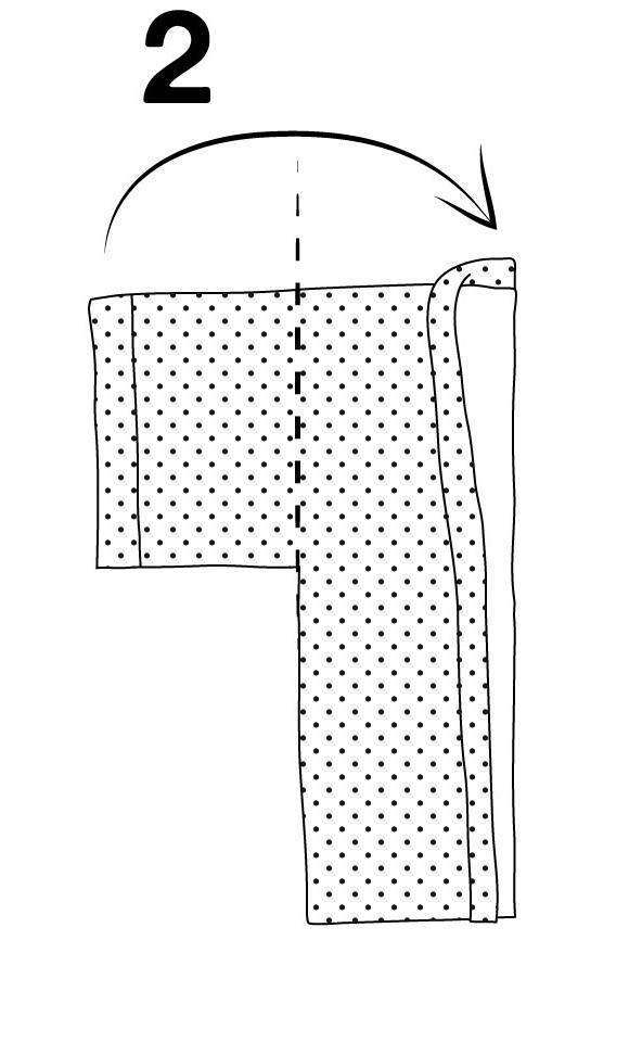 Rabattre les manches le long du corps en suivant la ligne du flanc.