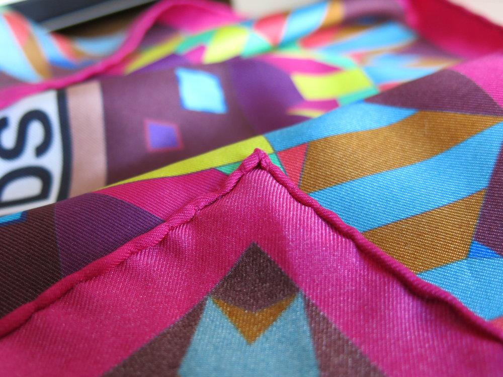 roulottes a la main foulard en soie atelier paris coralie prevert