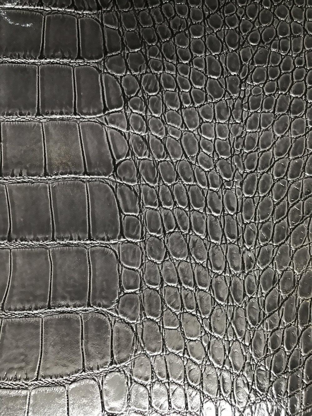 S72 Grey Croc