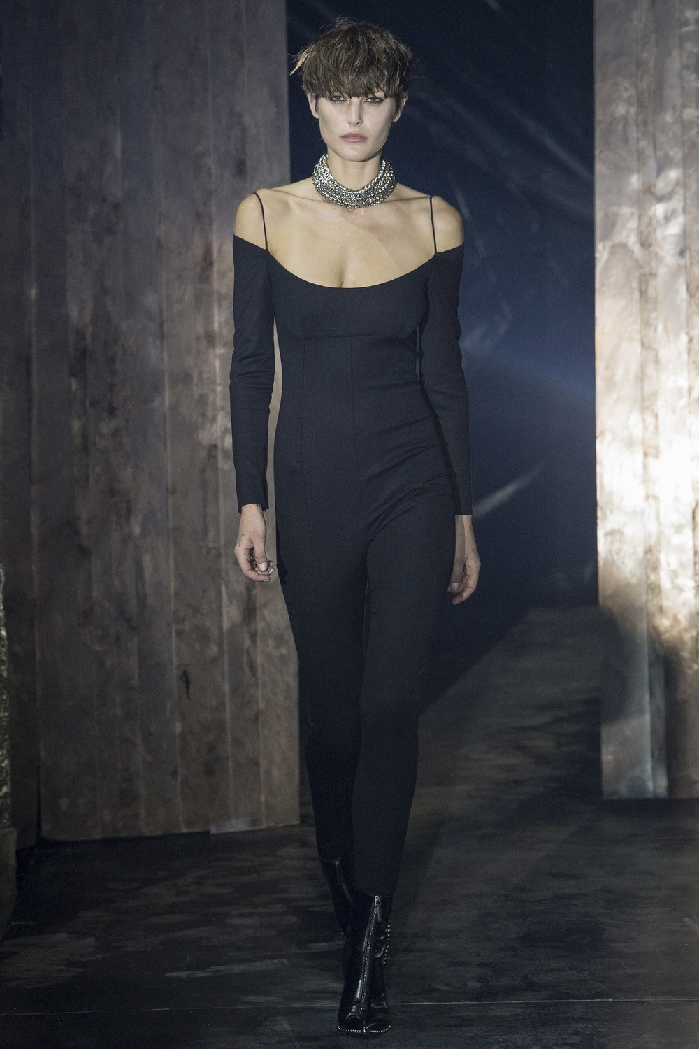 Alexander Wang - Vogue.com: Yannis Vlamos / indigital.tv