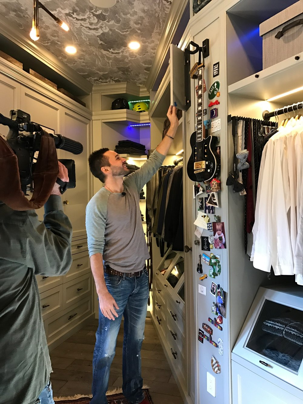 More And More Men Are Cleaning Out Their Closets And Turning Them Into A  Dream Space. This New Trend Has Designers Transforming Closets Of All Sizes  Into ...