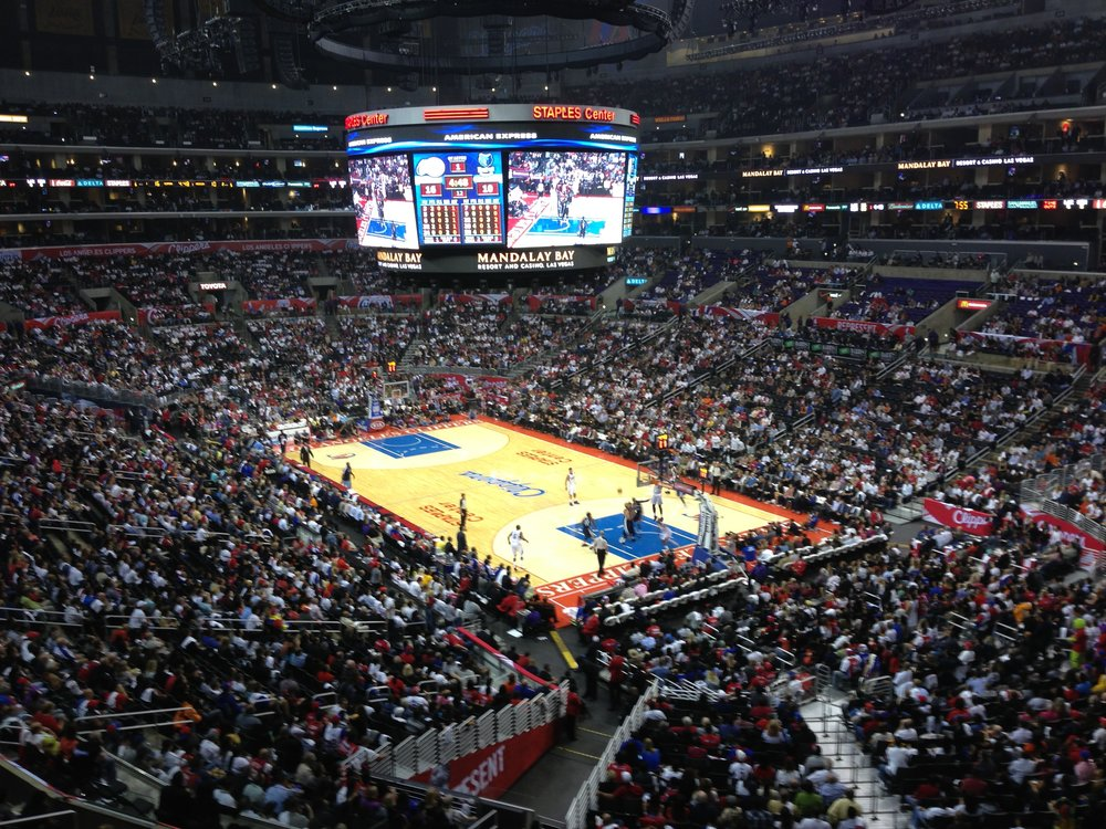 Timberwolves_Clippers_game_at_Staples_Center.jpg