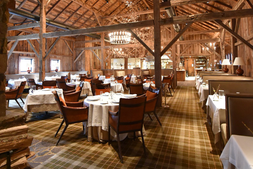 luxrury-hotels-tennessee-blackberry-farm-interior-dining.jpg
