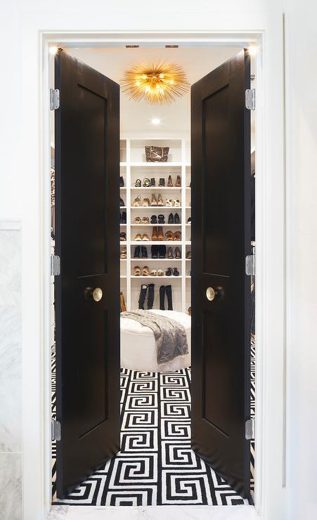 walk-in-closet-black-and-white-greek-key-rug.jpg