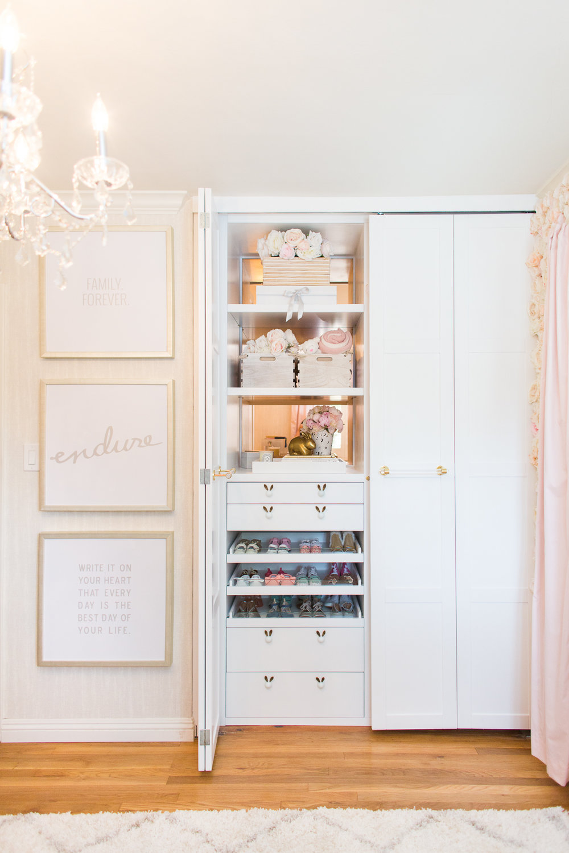 ali_fedotowsky_nursery_closet_christine_farah1.jpg