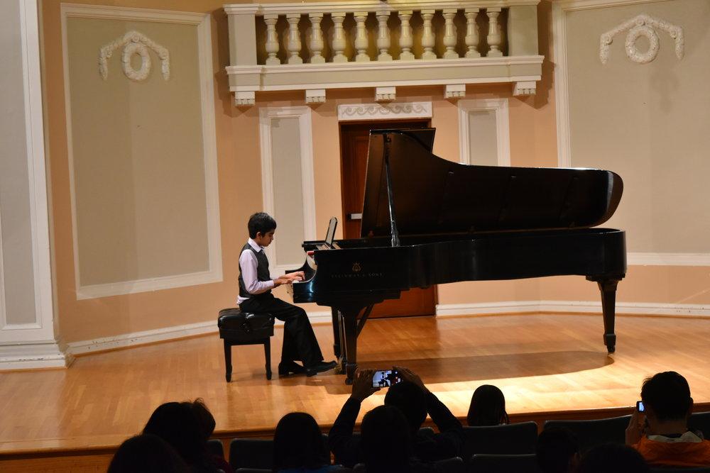 Piano 5-1.JPG