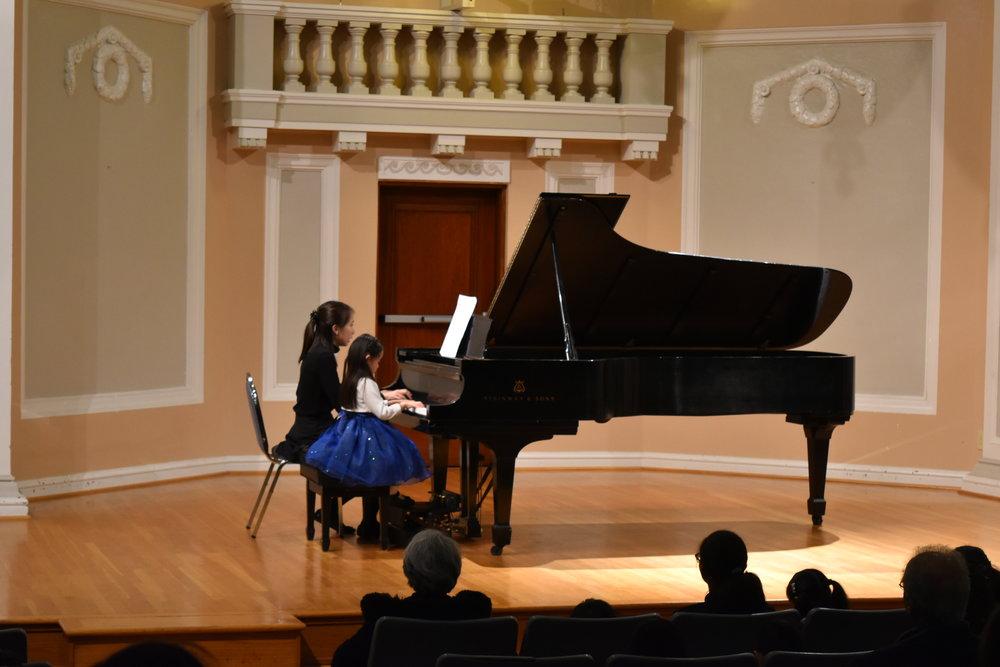 Piano 2-1.JPG