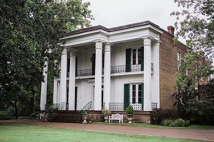 natural-and-charming-riverwood-mansion-wedding_0011