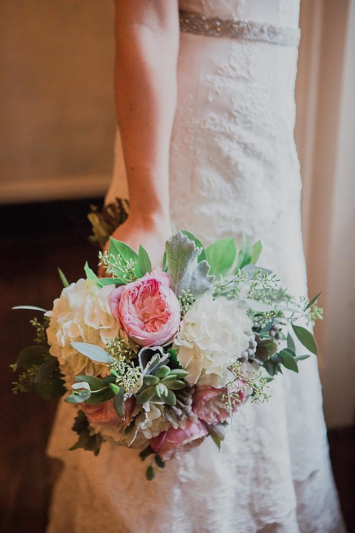 natural-and-charming-riverwood-mansion-wedding_0034