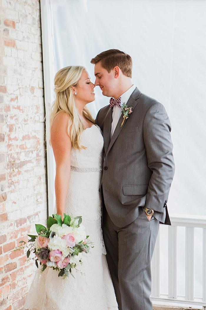 natural-and-charming-riverwood-mansion-wedding_0050