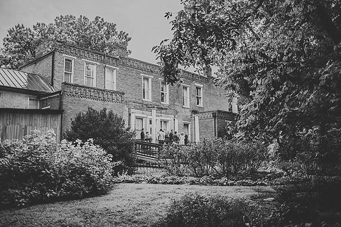 natural-and-charming-riverwood-mansion-wedding_0071
