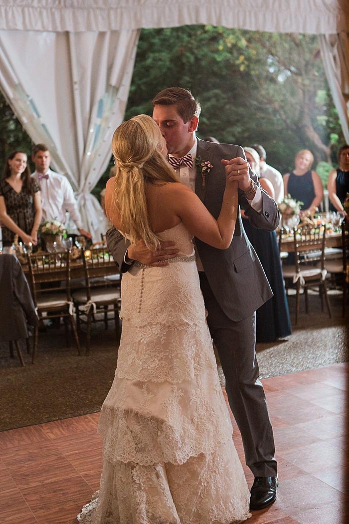 natural-and-charming-riverwood-mansion-wedding_0111