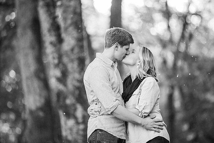 golden-autumn-outdoor-engagement-nashville-wedding-photographer_0013