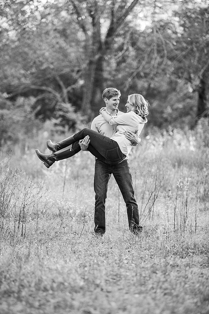 golden-autumn-outdoor-engagement-nashville-wedding-photographer_0021