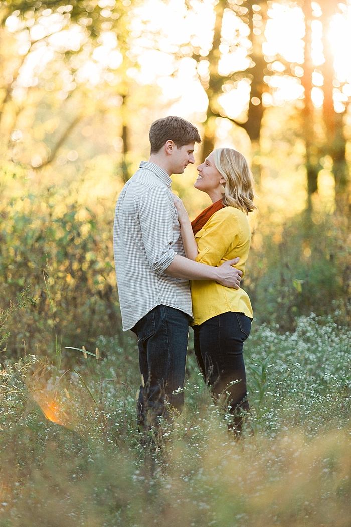 golden-autumn-outdoor-engagement-nashville-wedding-photographer_0025