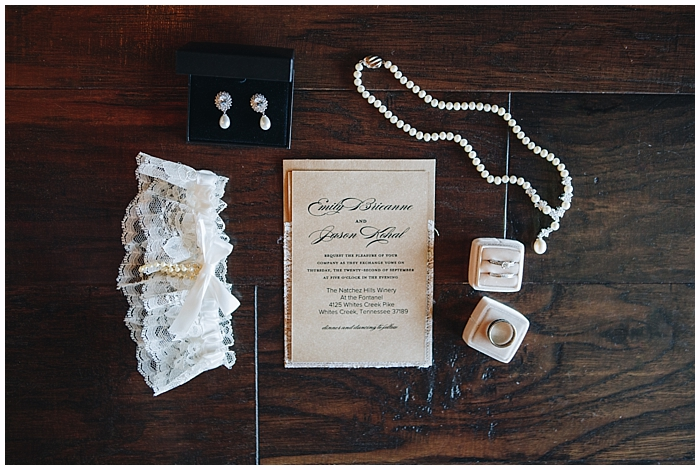 rustic-provincial-natchez-winery-wedding_0017