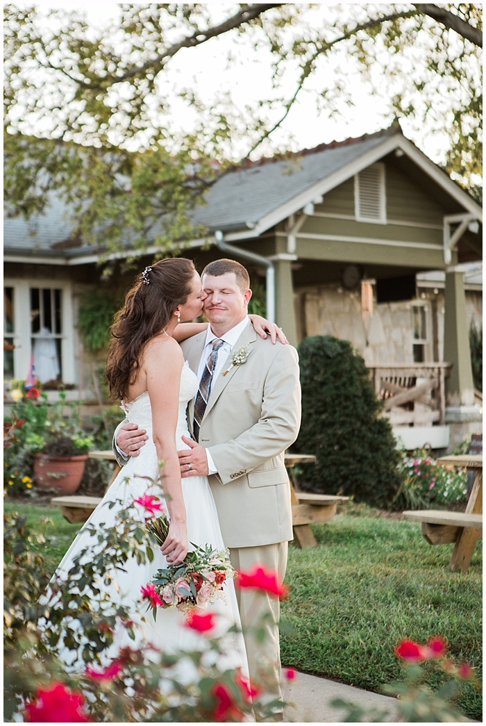 rustic-provincial-natchez-winery-wedding_0097