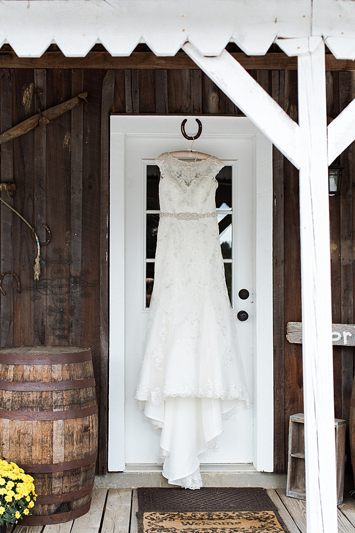 sylvan-saddle-woods-farm-wedding_0004