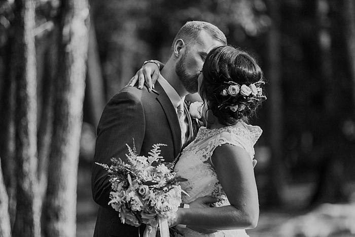 sylvan-saddle-woods-farm-wedding_0034