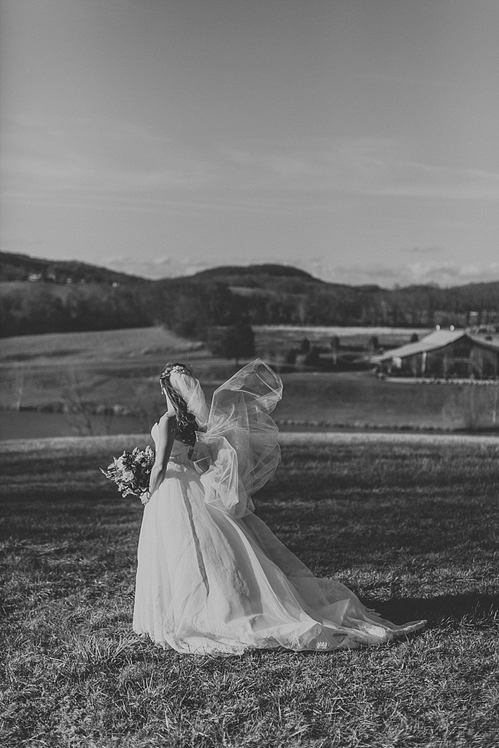 SarahSidwellPhotography_WindyWeddingatMintSpringsFarminNashvilleTennessee_nashvilleweddingphotographer_0162.jpg