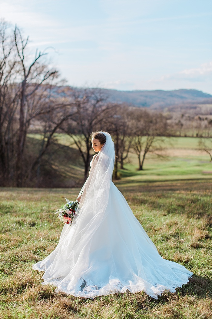 SarahSidwellPhotography_WindyWeddingatMintSpringsFarminNashvilleTennessee_nashvilleweddingphotographer_0163.jpg