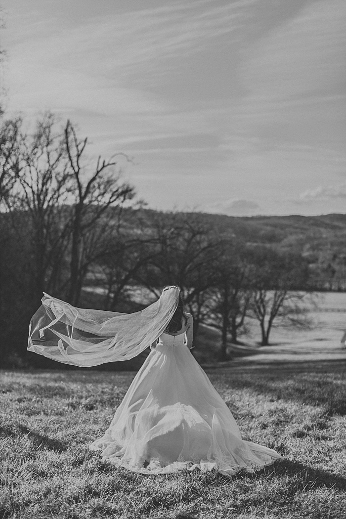 SarahSidwellPhotography_WindyWeddingatMintSpringsFarminNashvilleTennessee_nashvilleweddingphotographer_0164.jpg