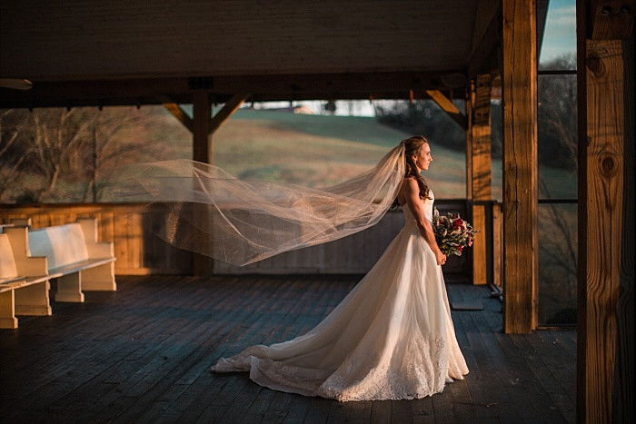 SarahSidwellPhotography_NontraditionalBridalSessionatFarmWeddingVenuebycontemporaryweddingphotographer_nashvilleweddingphotographer_0182.jpg