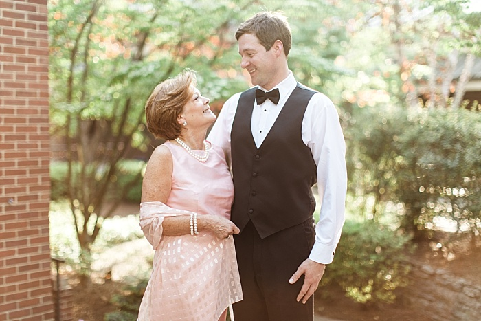 SarahSidwellPhotography_springtimenavyweddinginachurch_Nashvilleweddingphotographer_0804.jpg