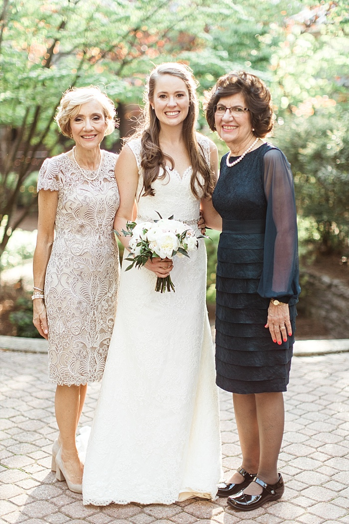 SarahSidwellPhotography_springtimenavyweddinginachurch_Nashvilleweddingphotographer_0803.jpg