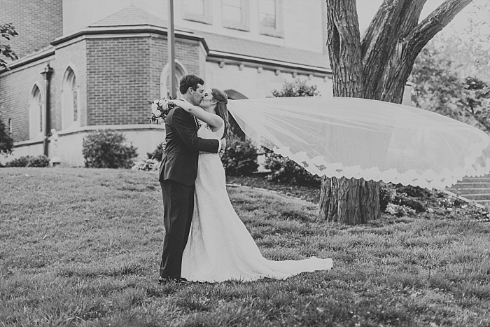 SarahSidwellPhotography_springtimenavyweddinginachurch_Nashvilleweddingphotographer_0813.jpg
