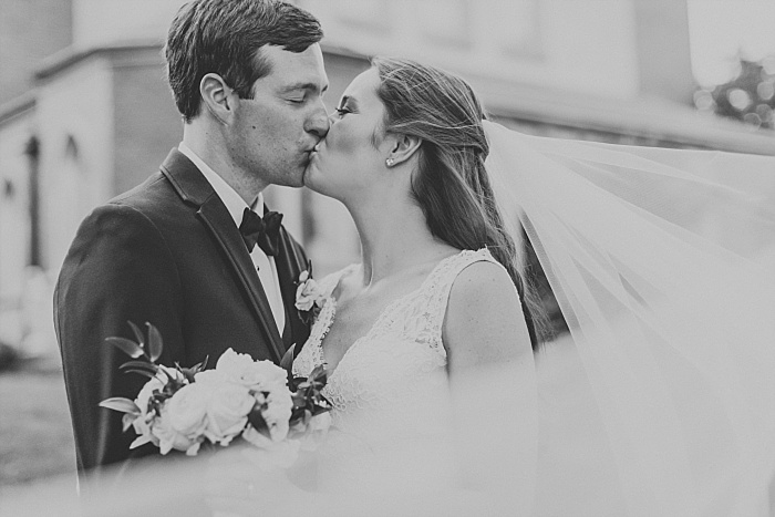 SarahSidwellPhotography_springtimenavyweddinginachurch_Nashvilleweddingphotographer_0815.jpg