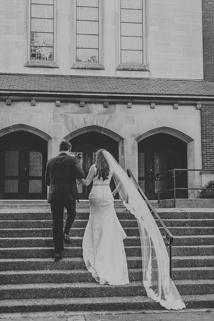 SarahSidwellPhotography_springtimenavyweddinginachurch_Nashvilleweddingphotographer_0818.jpg