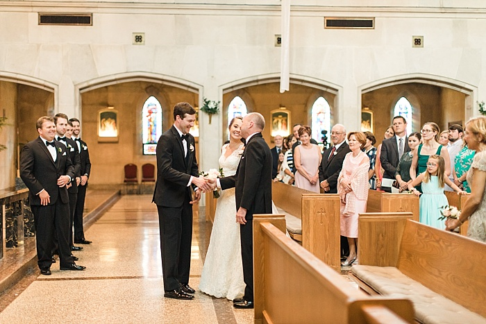 SarahSidwellPhotography_springtimenavyweddinginachurch_Nashvilleweddingphotographer_0811.jpg